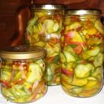 маринованный салат из огурцов на зиму фото