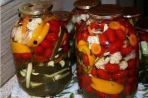 Овощное ассорти на зиму фото
