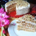 Морковный торт «Осенний каприз» - палочка - выручалочка для каждой хозяйки. 30 минут и вкусный тортик готов!
