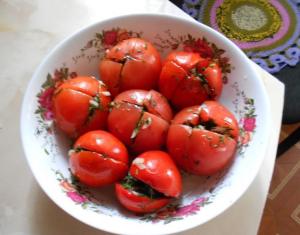 быстрые малосольные помидоры с зеленью фото
