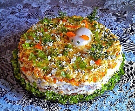 pecenocinii-tort-iz-kurinoi-peceni-foto