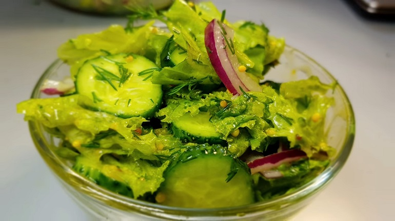 Легкий свежий салат идеален для шашлыков! Лучший рецепт!